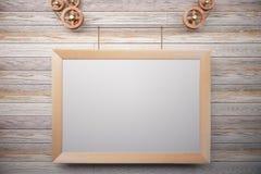Cornice di legno in bianco dello steampunk sulla parete di legno Fotografia Stock Libera da Diritti