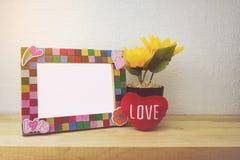 Cornice e girasole per la decorazione domestica immagini stock