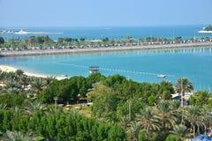 Corniche Abu Dhabi Arkivbild