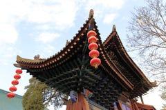 Cornisas chinas del templo del chenghuangmiao de xian, adobe rgb Imagen de archivo