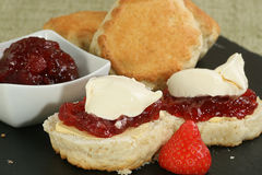 Cornish cream scone Royalty Free Stock Photography