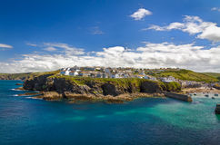 Cornish village Port Isaac on top of a cliff, UK Stock Photography