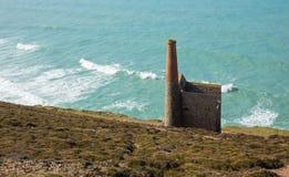 Cornisk kust och tenn- min Cornwall England UK Fotografering för Bildbyråer