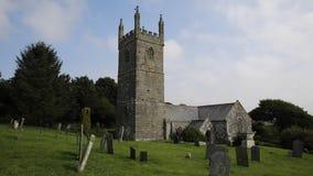 Cornisk kyrka av St Mawgan i Meneage Cornwall England som lokaliseras på ödlahalvön arkivfilmer