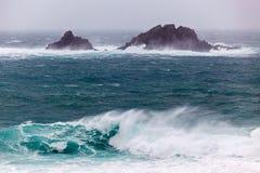 Corniska stormar på udde Cornwall Royaltyfri Bild