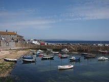 Cornwall-Dorfhafen Lizenzfreie Stockbilder