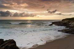 cornwall dramatisk england newquay solnedgång Royaltyfria Bilder