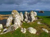 Cornwall England stenig kust, öar av Scilly, ö för St Agnes Arkivfoto