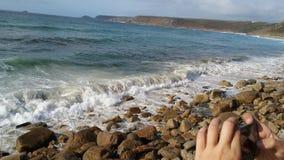 Cornwall wybrzeże, widok na ocean w słonecznym dniu Zdjęcia Royalty Free