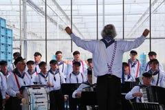 Coro da música de marinheiros que executa na estufa holandesa Fotos de Stock Royalty Free