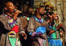 Coro do gospel de Soweto imagens de stock