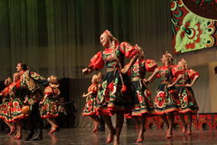 Coro popular ruso del estado de Omsk Imagenes de archivo