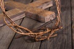 Coroa de espinhos e de close up dos pregos imagens de stock