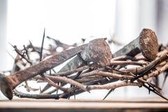 A coroa de espinhos e de pregos Imagens de Stock Royalty Free