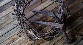 A coroa de espinhos e de pregos foto de stock royalty free