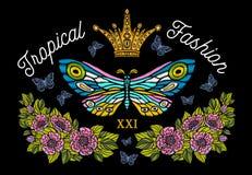 Coroa dourada, bordado colorido das borboletas, flo do estilo do vintage fotografia de stock royalty free