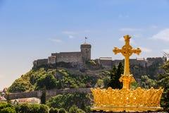 Coroa dourada de Lourdes Basilica Foto de Stock