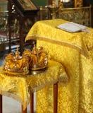 Coroas do casamento imagens de stock royalty free