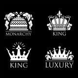 Coroe do ornamento heráldico branco superior do crachá do vintage do rei a ilustração luxuosa do vetor do kingdomsign Fotografia de Stock