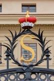 Coroe na entrada ao palácio de Salmovsky em Praga, checa Imagens de Stock