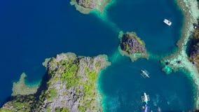 Coron, Palawan, Filipiny, widok z lotu ptaka pi?kne laguny i wapie? falezy zdjęcie wideo