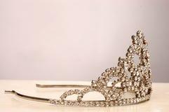 Corona adorabile per una bella ragazza 5 Immagini Stock
