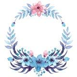 Corona con i fiori blu-chiaro e rosa dell'acquerello royalty illustrazione gratis