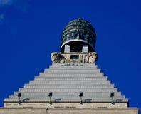 Corona de la torre del edificio de Straus imagenes de archivo