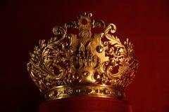 Corona de oro Fotos de archivo libres de regalías