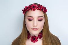 Corona dei fiori della donna fotografia stock