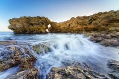 Corona Del Mar Jump Rock Kalifornien Arkivfoton