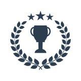 Corona dell'alloro del vincitore con la tazza Immagini Stock Libere da Diritti