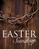 Corona delle spine su un fondo di legno - Pasqua fotografia stock