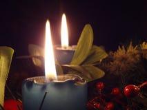 Corona di arrivo (2 candele) Fotografie Stock Libere da Diritti
