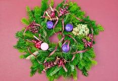 Corona di arrivo della corona di Natale con lo spazio della copia Fotografie Stock Libere da Diritti