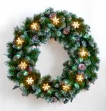 Corona di Natale con le luci fotografia stock libera da diritti
