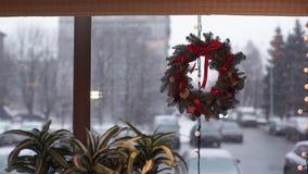 Corona di Natale delle filiali dell'abete archivi video