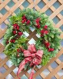 Corona di Natale su fondo di legno Immagine Stock