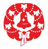 Corona e campana rosse di natale fotografia stock libera da diritti