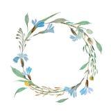 Corona romantica dei fiori blu dipinti in acquerello Immagine Stock