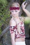 Corona rubia magnífica de la flor que lleva Fotos de archivo libres de regalías