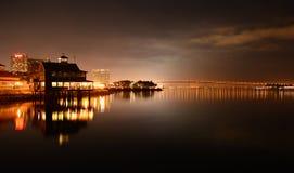 Coronado-Brücke und San Diego Pier Cafe stockbild