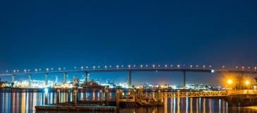 Coronado bro på en klar natt Arkivfoton