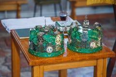 Coronas para la boda en la iglesia Imagen de archivo