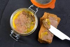 Coronilla de los gras de Foie del estabilizador hecha del hígado de un pato Imágenes de archivo libres de regalías
