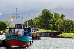 CORPACH,苏格兰HIGHLANDS/UK - 5月19日:在Co的古苏格兰运河 免版税图库摄影