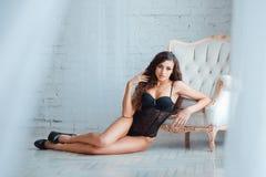 Corpo, pés e burro perfeitos, 'sexy' da fêmea nova Fotografia de Stock