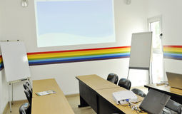 CORPORATE COACHING TRAINING ROOM. View of a training room coaching practical, equipped and flexible adapted according to capacity in order to benefit from the Royalty Free Stock Photos