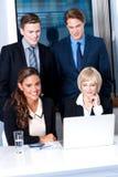 Corporates z bizneswomanami na przedpolu Fotografia Stock