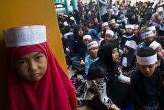 CORPS MUSULMANS INDONÉSIENS POUR LA PEINE DE MORT AUX TRAFIQUANTS DE DROGUE Images stock